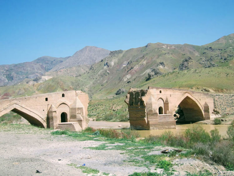 Pont du Kizil-Hauzen