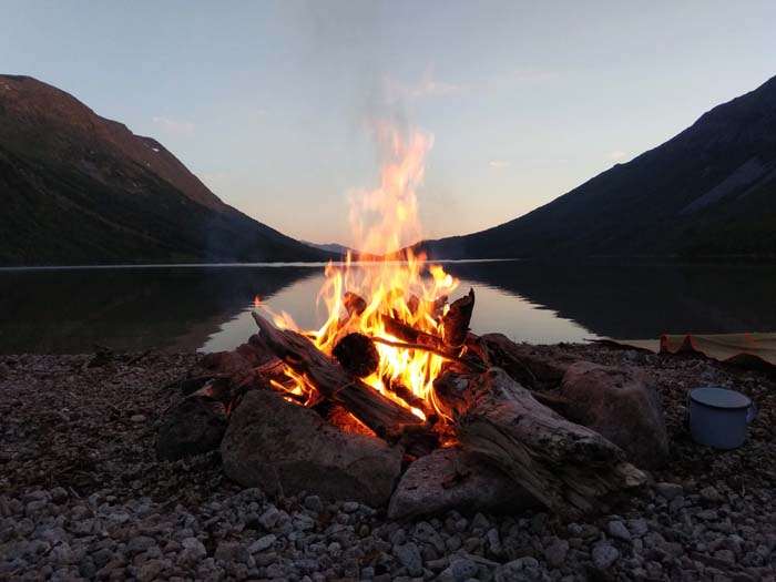 feu camping sauvage