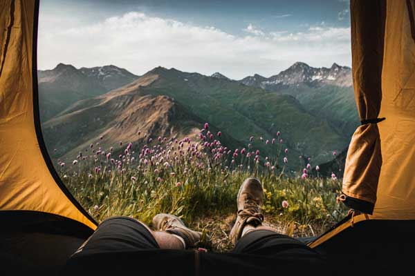 camping sauvage dans la montagne en france