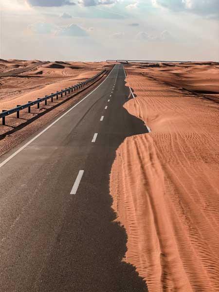 Faire du cyclotourisme daan le désert